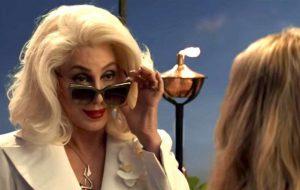 A Cher é tão boa atriz que te convence que ela é mãe da Meryl Streep facilmente