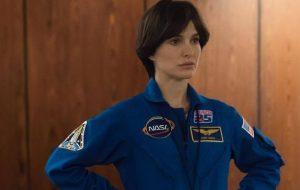 Natalie Portman aparece como astronauta em seu novo filme
