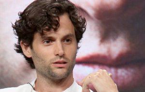 """Aparentemente, nem o próprio Penn Badgley achou o final de """"Gossip Girl"""" convincente…"""