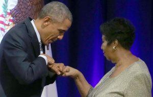 """Barack Obama presta homenagem a Aretha Franklin: """"Ela nos fez mais humanos"""""""