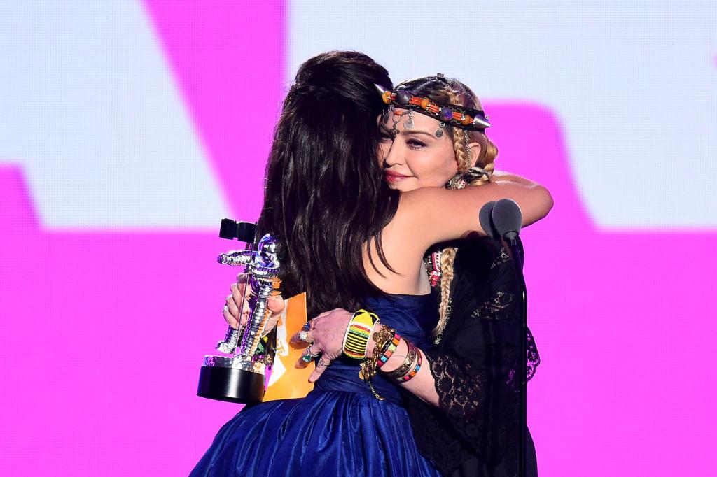 Camila Cabello sur le tapis rouge de la VMA