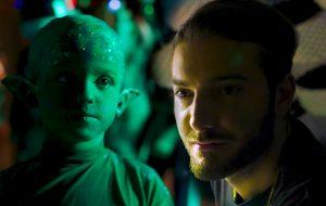 Alesso tá de volta com o single Remedy e o alienígena mais fofo que já vimos