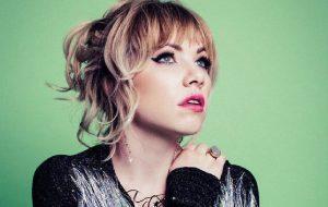Carly Rae Jepsen tá em estúdio e postou trecho de música inédita!