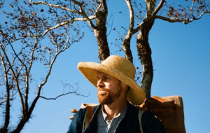 "Vem ver Willem Dafoe como Van Gogh na primeira foto de ""At Eternity's Gate"""