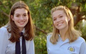 Mandy Moore e Anne Hathaway relembram momento clássico de Diário da Princesa <3