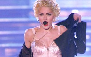 Madonna, o sutiã de cone de Gaultier e o look que mudou a música e a moda para sempre