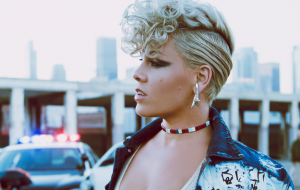 P!nk é internada e cancela shows na Austrália