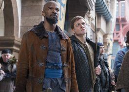 Jamie Foxx treina Robin Hood para o ataque em novo trailer do longa