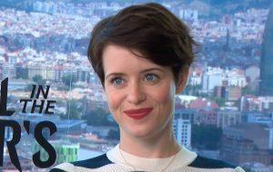 Falamos com a rainha Claire Foy sobre protagonismo, criação de personagens e assédio em Hollywood