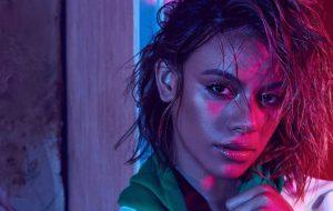 Dinah Jane lança seu primeiro single solo; vem ouvir a dançante Bottled Up!