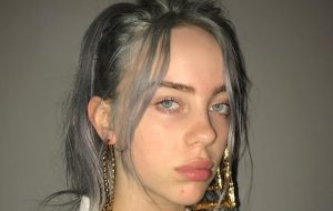 Billie Eilish lança When I Was Older, novo single inspirado no filme Roma