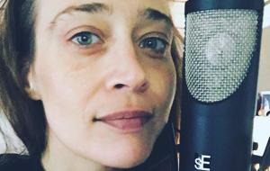 Fiona Apple está de volta ao estúdio e trabalhando em músicas novas!