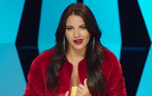 Maite Perroni está bem ~brasileira~ no clipe de Bum Bum Dale Dale; vem ver!