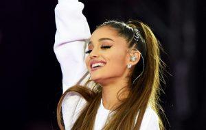 Fãs estão dizendo que trecho de 7 Rings confirma data de lançamento do novo álbum da Ariana Grande