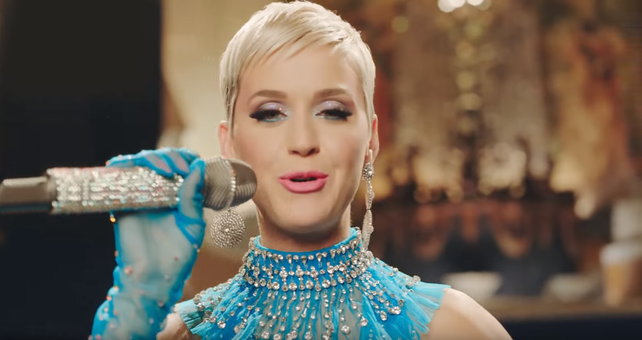 Katy Perry lança ... Katy Perry Christmas Song 2018