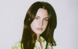 Lana Del Rey divulga novo trecho de Happiness Is A Butterfly; vem ouvir!