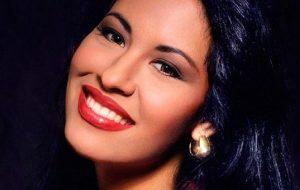 Netflix fará série baseada na vida da cantora latina Selena Quintanilla