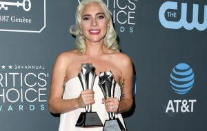 Lady Gaga vence o Critics' Choice Awards de Melhor Atriz em empate com Glenn Close!