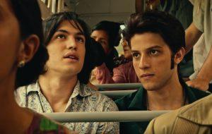 Vídeo: Chay Suede e Gabriel Leone fazendo Roberto e Erasmo Carlos no cinema