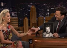 Rita Ora canta no Jimmy Fallon e fala sobre ter feito show vestida de Post Malone; assista!