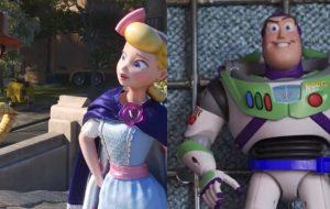 Em parque de diversões, Woody e Betty procuram Buzz Lightyear no novo teaser de Toy Story 4!