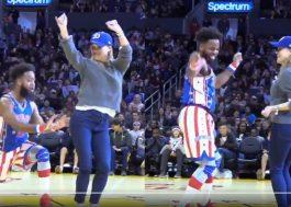 Reese Witherspoon dançou no meio da quadra num jogo de basquete e foi maravilhoso!