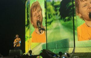 Ed Sheeran volta a encantar SP mesmo com reprise de show de 2017