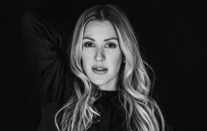 """Ellie Goulding diz que vai lançar novas músicas até o meio do ano: """"Bem mais pop que Close To Me"""""""