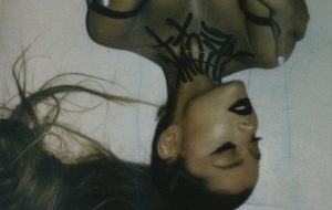 Ariana Grande revela que break up with your girlfriend, i'm bored será seu próximo single