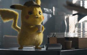 """Pikachu toma muito café para desvendar mistério em mais um trailer de """"Pokémon: Detetive Pikachu"""""""