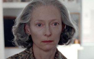"""Vem ver Tilda Swinton contracenando com a própria filha no trailer de """"The Souvenir"""""""