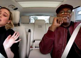 """Brie Larson e Samuel L. Jackson cantam """"7 Rings"""" em prévia do """"Carpool Karaoke"""""""
