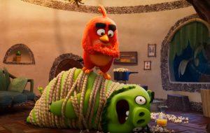 """Os pássaros e porcos precisam se unir no trailer de """"Angry Birds 2"""""""