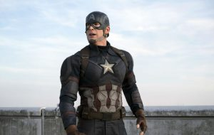 """Chris Evans diz que levou parte do figurino de """"Capitão América"""" para casa como recordação"""