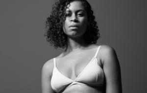 """Sobre o novo clipe de AlunaGeorge: """"Eu parei de tentar fazer sexo como se fosse uma atuação e comecei a me amar"""""""