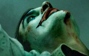 Joaquin Phoenix vive o Coringa no primeiro cartaz do filme!
