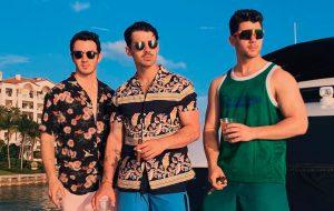 """Jonas Brothers anunciam lançamento de nova música, """"Cool"""""""