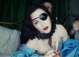 """Madonna e Maluma dançam ao som do chá-chá-chá e se casam no clipe de """"Medellín"""""""