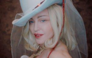 """Madonna leva divulgação de """"Madame X"""" para as ruas; veja as novidades!"""