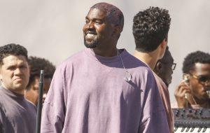 """Após sucesso do """"Sunday Service"""", Kanye West pode se tornar ministro religioso"""