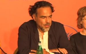 Alejandro Iñárritu elogia a Netflix, mas defende que filmes sejam exibidos nos cinemas