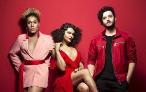 """As Bahias e a Cozinha Mineira cantam sobre dores, amores e resistência em novo álbum; ouça """"Tarântula"""""""