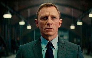 """Acidente de Daniel Craig não foi tão grave e ator deve voltar a gravar """"Bond 25"""" em breve"""
