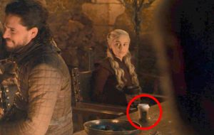 """Acharam um copo da Starbucks no episódio de ontem de """"Game of Thrones""""!"""