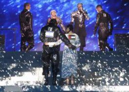 Após protesto a favor da paz na final do Eurovision, Madonna rebate críticas