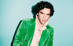 "Mika lança o single ""Ice Cream"" e anuncia data de lançamento do novo álbum!"
