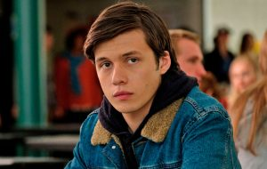 "Nick Robinson vai estrelar o romance ""The Language of Flowers"""