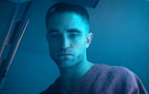 """Robert Pattinson é confirmado para viver o herói protagonista na trilogia """"The Batman"""", afirma site"""