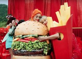 Taylor Swift lança clipe com Katy Perry, RuPaul, Ellen Degeneres e mais!