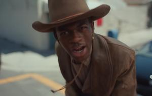 "Lil Nas X lança EP ""7"" com Cardi B e Billy Ray Cyrus"